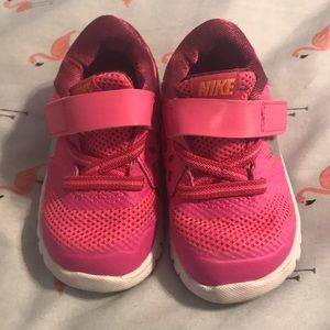 Small Child Nike Shoes